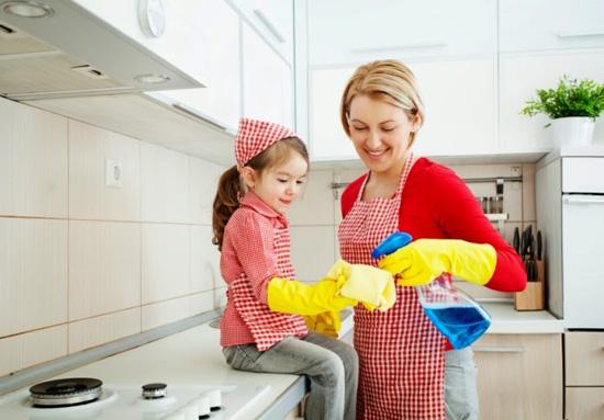 trẻ làm việc nhà 1