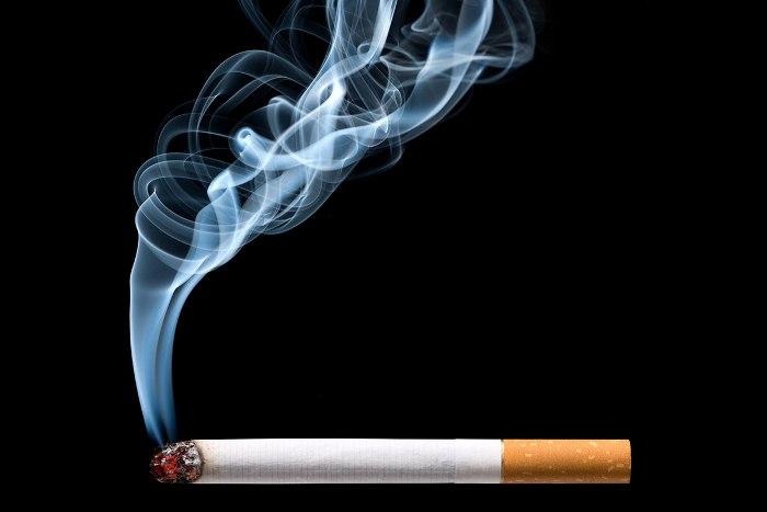 Khói thuốc lá có thể khiến trẻ bị viêm da cơ địa