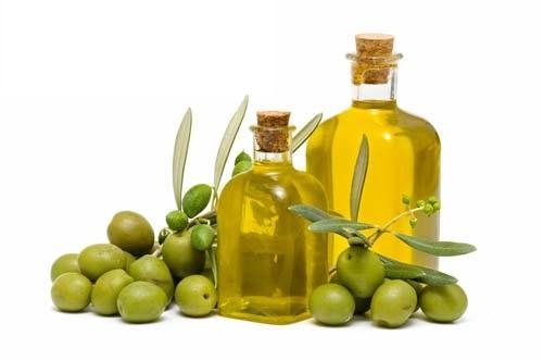 dầu oliu là cách trị bé sơ sinh bị nẻ má hiệu quả