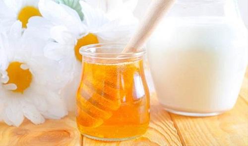 mật ong chữa khô da hiệu quả