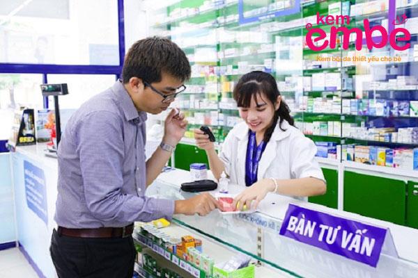 Dược sỹ tư vấn cho phụ huynh hăm tã bôi gì ?