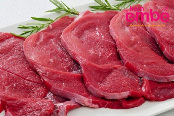 Bé bị chàm sữa nên kiêng ăn thịt bò