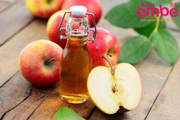 Giấm táo trị vết côn trùng cắn sưng tím