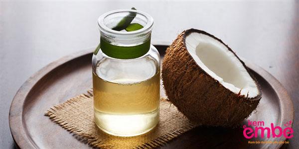 Dầu dừa là bài thuốc dân gian chữa hăm tã hiệu quả
