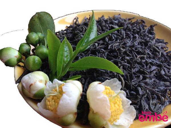 Sử dụng trà xanh phơi khô giúp trị hăm tã hiệu quả
