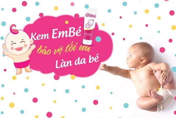 sử dụng kem em bé để chữa trị chàm sữa cho bé