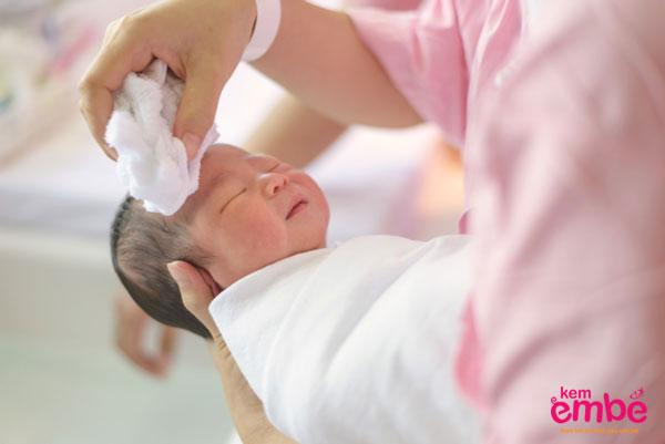 Viêm da ở trẻ sơ sinh